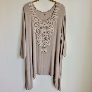 Indigo Taupe Embroidered HiLow Top Size 3X     A2